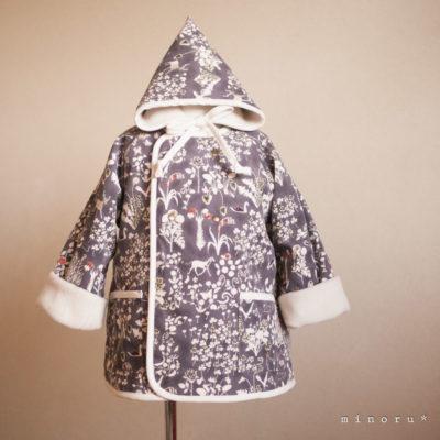 [1点のみ]小人コートセット ヨシエ(リバティ)100cm|小人帽子とノーカラーコートのセットアップ